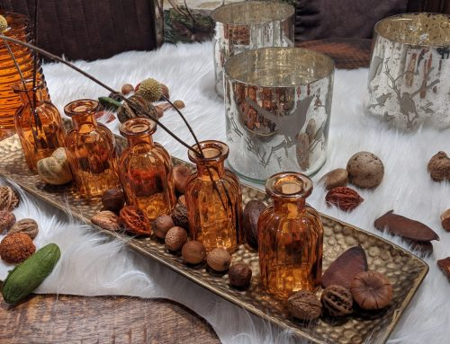 Kleine Vasen in Bronze Farbe